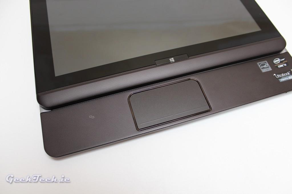 Toshiba U920 slide