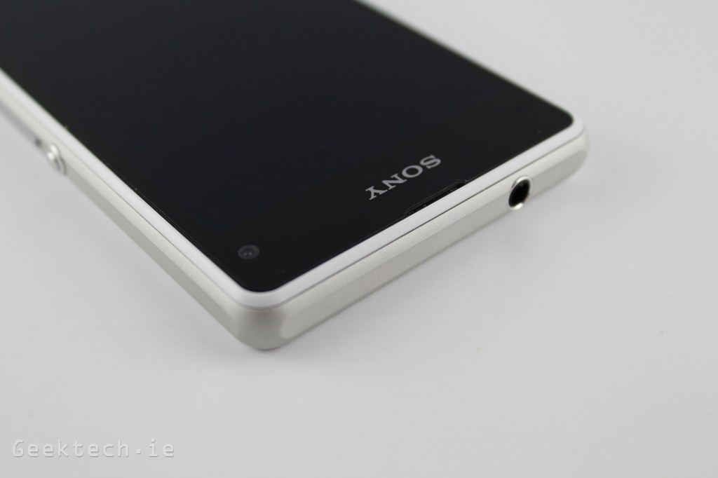 Sony Xperia Z1 Compact featured 2