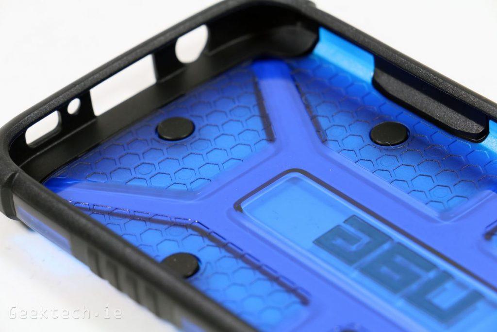 UAG Cobalt for S7 (10)
