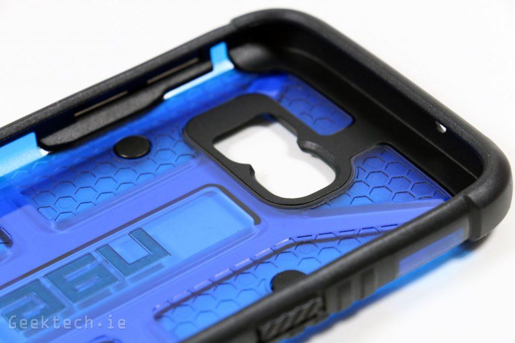 UAG Cobalt for S7 (9)